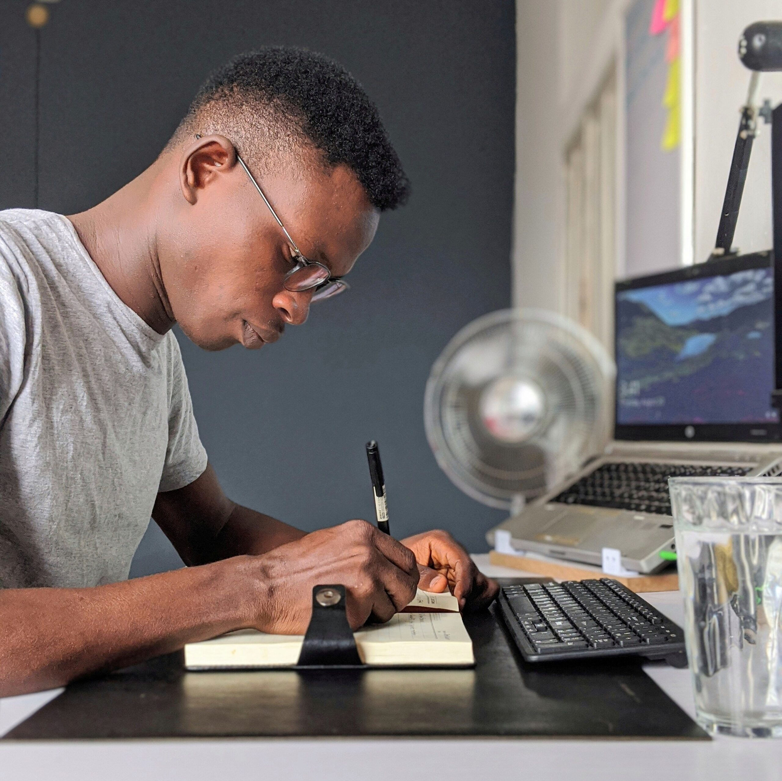 How much does a graphic designer in Kenya Earn? Young graphic designer