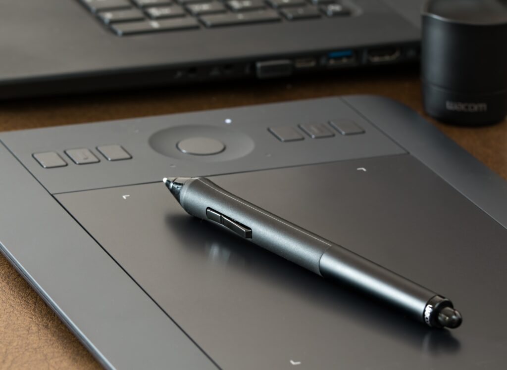 How much does an Illustrator in Kenya earn? graphics tablet