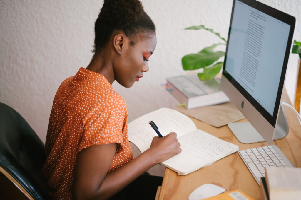 How much does a graphic designer in Kenya Earn? Young Female graphic designer
